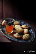 Honey Madeleines small