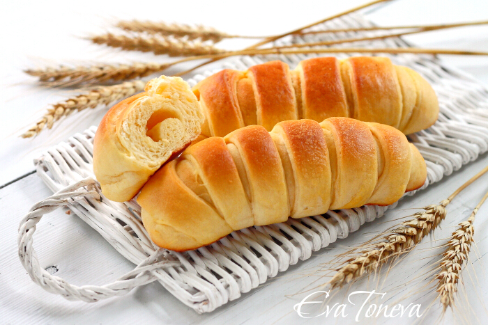 Sour_cream_cheese_rolls1