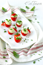 Stuffed_tomatoes_with_pesto_small