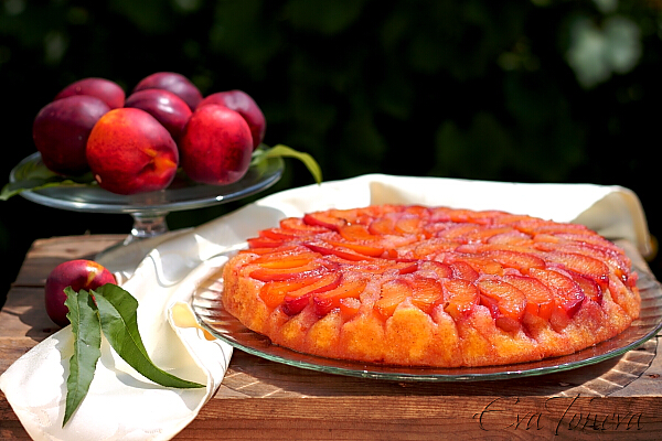 cake_with_a_compote_of_peaches1