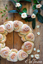 garland__rose_bread_small