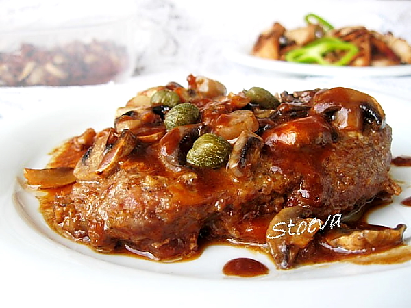 Pork_with_mushrooms