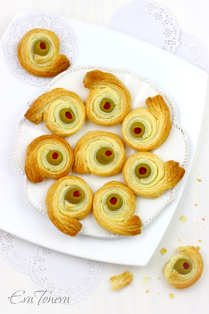 puff pastry and olives snails